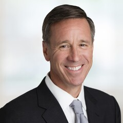 Arne Sorenson smiling for professional photo