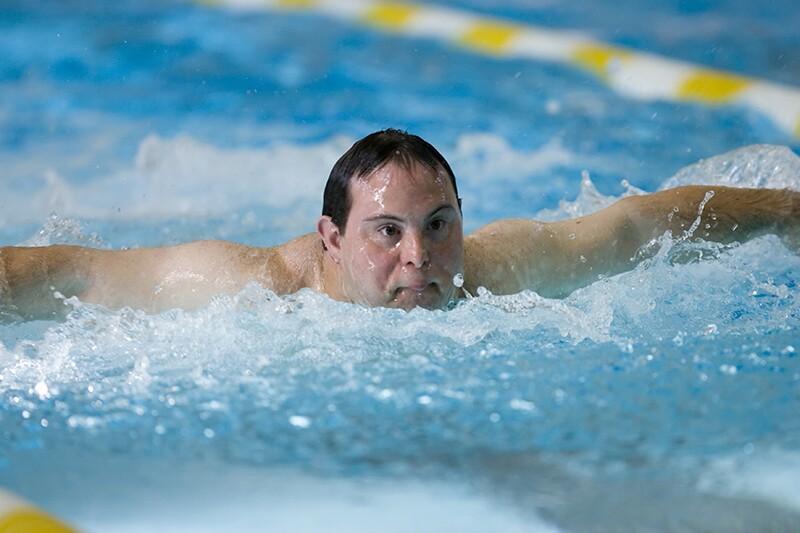 David Egan swimming a race.