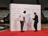 1000x750-Rubio-Signing-Wall.jpg