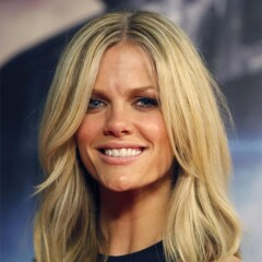 Headshot of Brooklyn Decker Roddick
