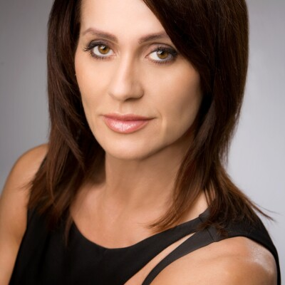 Headshot of Nadia Comaneci