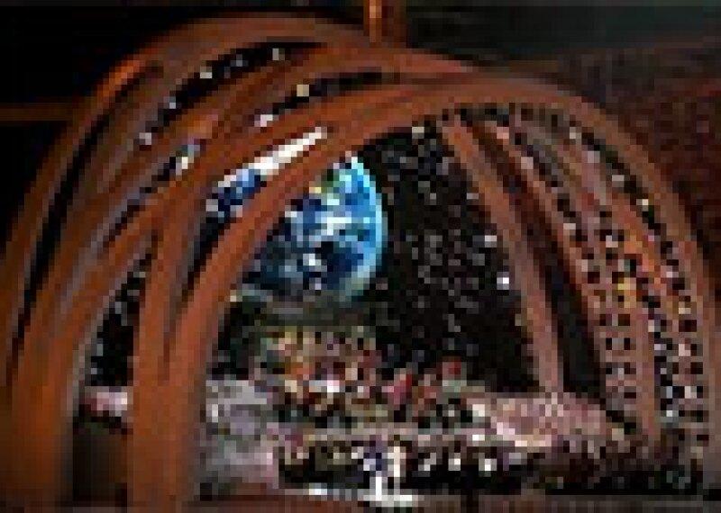 128x85-3-Opening_Ceremonies_2001-2009.jpg