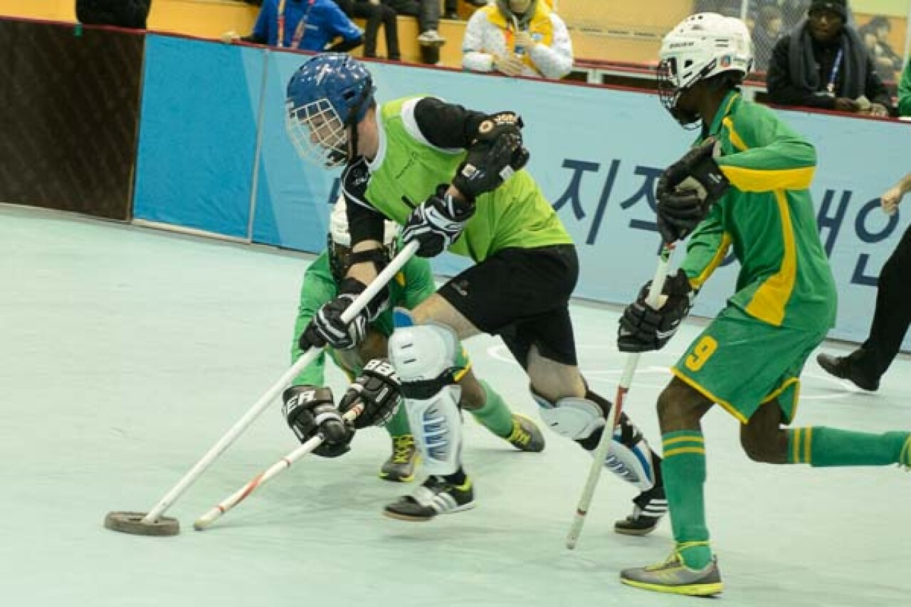600x400-WWG13- floor hockey-3955.jpg