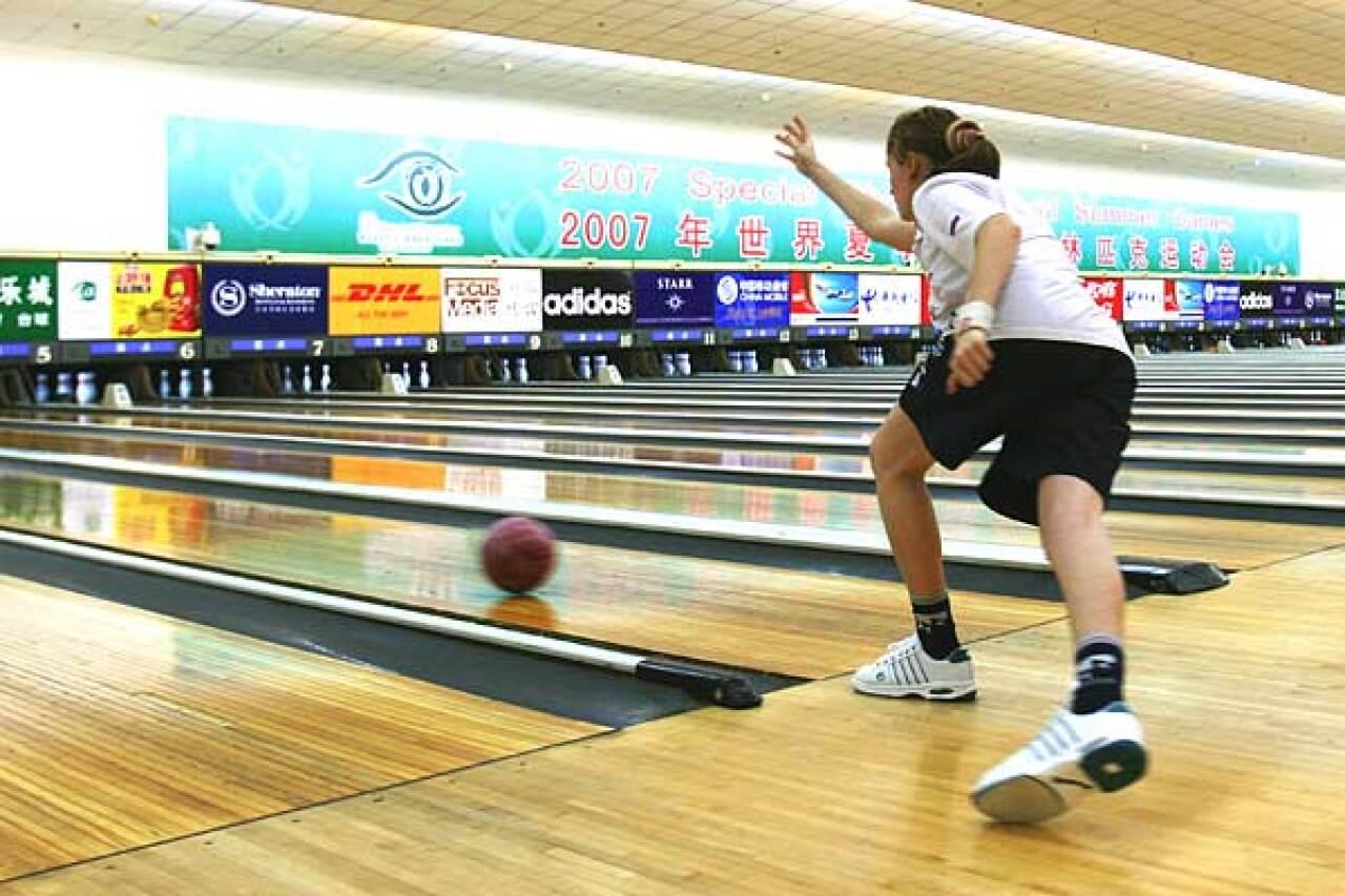 600x400-bowling-games-bowling-action_bowl_jackson_02.jpg
