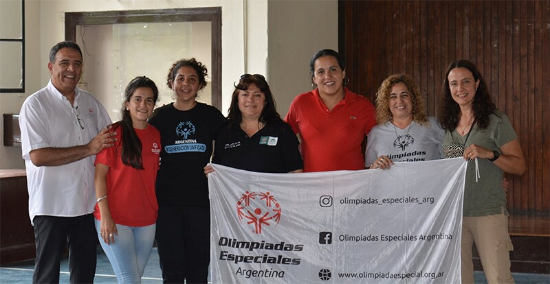 Ana Aloe, junto a colegas de Olimpiadas Especiales Argentina.