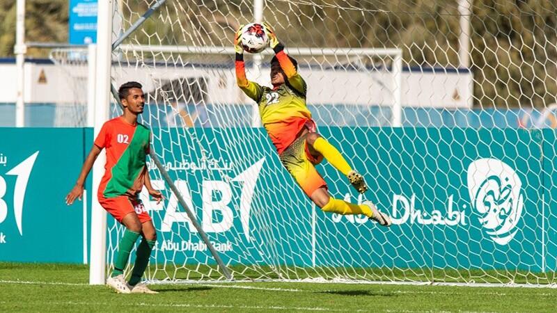 800x450 - Football - keeper guarding the net.jpg