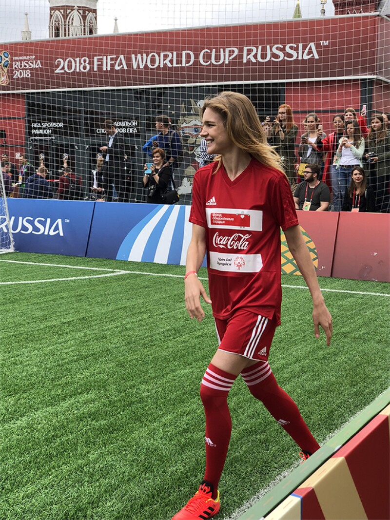 Natalia-Vodianova-joins-Unified-Football-match-on-Red-Square-1.jpg