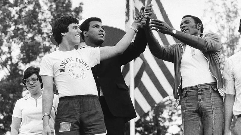 800x450 - 1979 Ali Rafer Johnson and Athlete.jpg