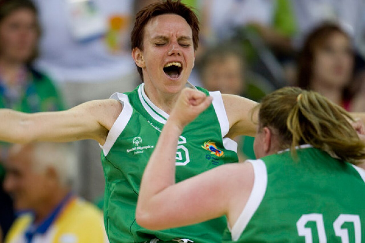 IrishFemaleTeam_Excitement-600px.jpg