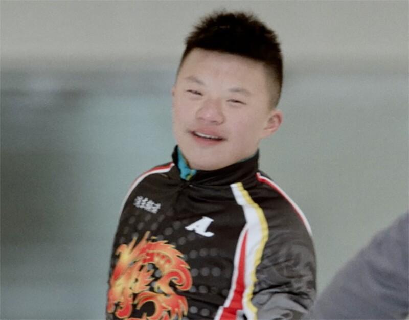 Li Xiang does a practice lap at the speedskating rink.