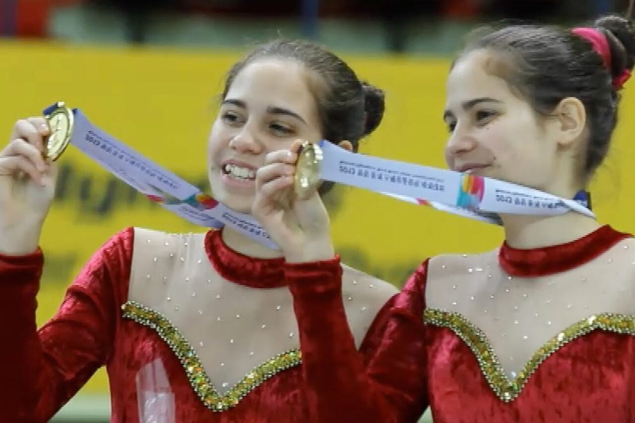 1000x667-Hungary_skaters.jpg