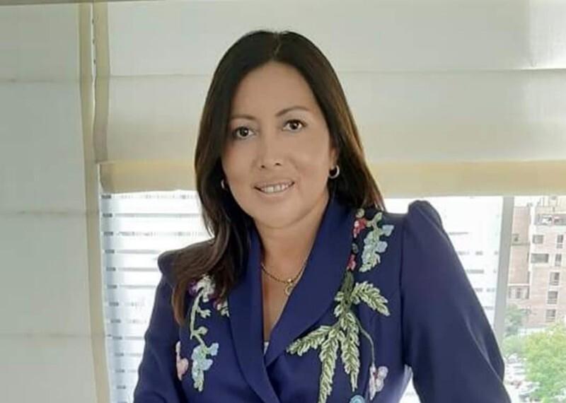 Dra. Denisse Aguilar Galvan en su oficina.
