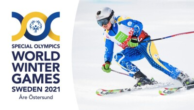 Logo for the Special Olympics World Winter Games Sweden 2021 accompanied by a photo of a skier in motion on the snow.